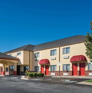 Super 8 By Wyndham Claremore Ok photos Exterior