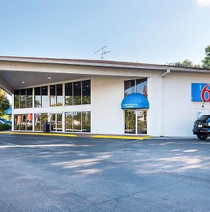Motel 6 Tampa - Fairgrounds photos Exterior