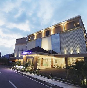 Golden Tulip Essential Belitung photos Exterior