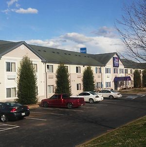Intown Suites Extended Stay Clarksville photos Exterior