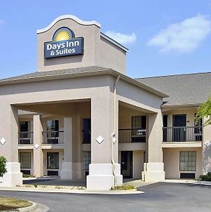 Days Inn & Suites By Wyndham Fort Valley photos Exterior