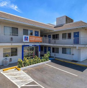 Motel 6 Riverside West - Jurupa Valley photos Exterior
