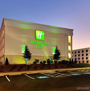 Holiday Inn & Suites Atlanta Airport North photos Exterior