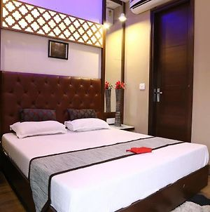 Oyo Rooms Piccadily Chowk photos Exterior