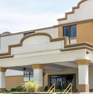 Days Inn By Wyndham Hagerstown photos Exterior