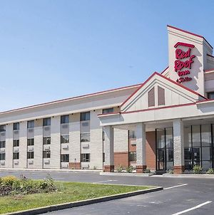 Red Roof Inn & Suites Cleveland - Elyria photos Exterior
