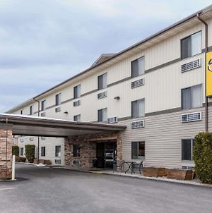 Super 8 By Wyndham Kalispell Glacier National Park photos Exterior