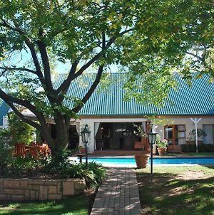 Sunninghill Guest Lodges photos Exterior