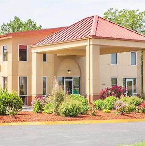 Days Inn By Wyndham Columbia I-70 photos Exterior