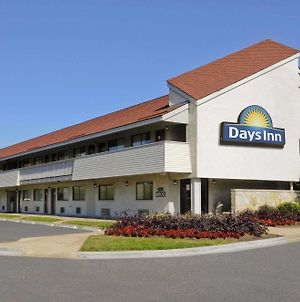 Days Inn By Wyndham Overland Park photos Exterior