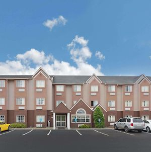 Microtel Inn & Suites By Wyndham Brandon photos Exterior