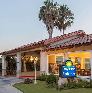 Days Inn By Wyndham Camarillo - Ventura photos Exterior