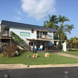 Cardwell Beachfront Motel photos Exterior