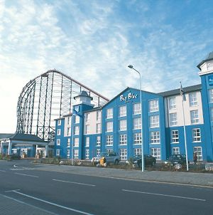 The Big Blue Hotel photos Exterior