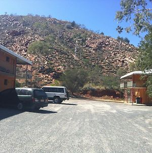 Heavitree Gap Outback Lodge photos Exterior