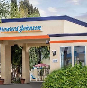 Howard Johnson By Wyndham Orange Hotel & Suites photos Exterior