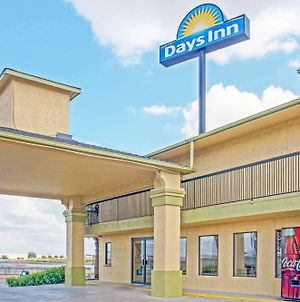 Days Inn By Wyndham San Antonio Interstate Hwy 35 North photos Exterior