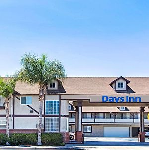 Days Inn By Wyndham Long Beach City Center photos Exterior