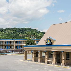Days Inn By Wyndham Staunton photos Exterior