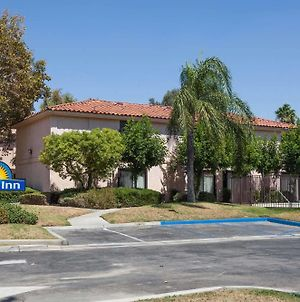 Days Inn By Wyndham San Bernardino/Redlands photos Exterior