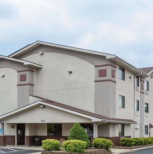 Super 8 By Wyndham Danville Va photos Exterior