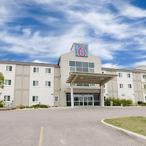 Motel 6 Brandon photos Exterior