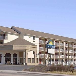 Days Inn By Wyndham Apple Valley Pigeon Forge/Sevierville photos Exterior