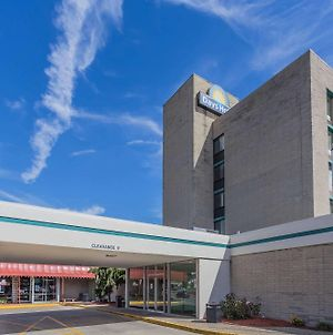 Days Hotel & Conference Center By Wyndham Danville photos Exterior