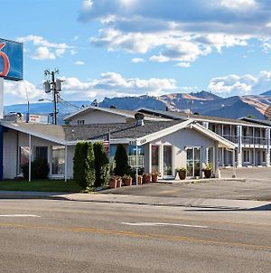 Motel 6 Wenatchee Wa photos Exterior