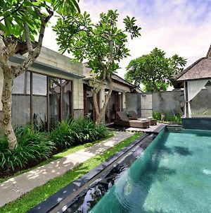 The Khayangan Dreams Villa Seminyak photos Exterior