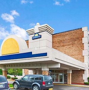Days Inn By Wyndham Livonia - Detroit photos Exterior