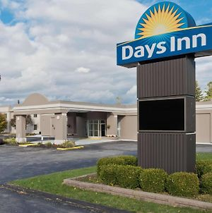 Days Inn By Wyndham Batavia Darien Lake Theme Park photos Exterior