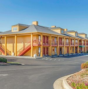Quality Inn Bessemer I-20 Exit 108 photos Exterior