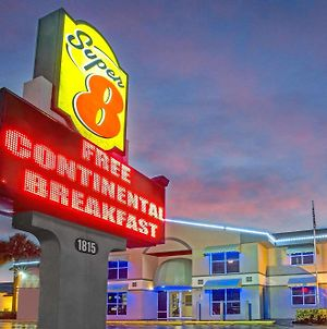 Super 8 By Wyndham Kissimmee photos Exterior