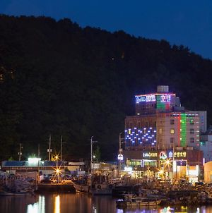 Tongyeong Anchovy Tourist Hotel photos Exterior