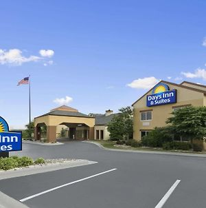 Days Inn & Suites By Wyndham Omaha Ne photos Exterior