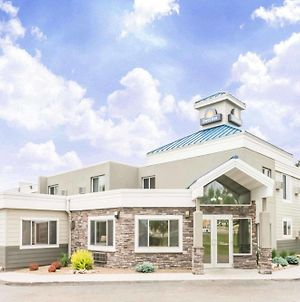 Days Inn By Wyndham Bismarck photos Exterior