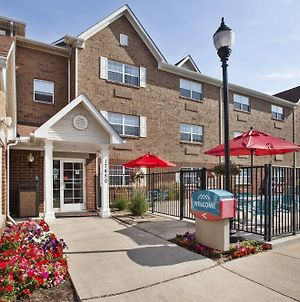 Towneplace Suites By Marriott Detroit Livonia photos Exterior