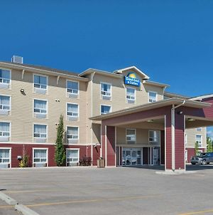 Days Inn & Suites By Wyndham Cochrane photos Exterior