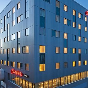 Hampton By Hilton London Gatwick Airport photos Exterior
