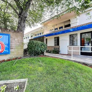 Motel 6 Pinole photos Exterior