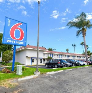 Motel 6 Costa Mesa photos Exterior
