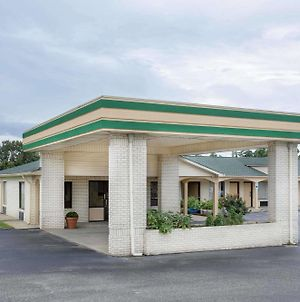 Super 8 By Wyndham Sumter photos Exterior