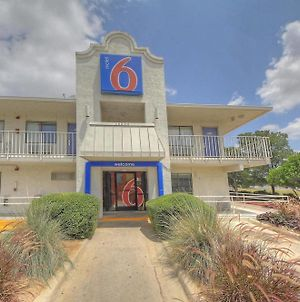Motel 6 San Antonio - Fiesta photos Exterior