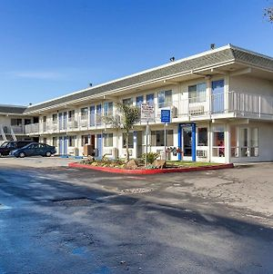 Motel 6 Hayward, Ca- East Bay photos Exterior