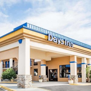 Days Inn By Wyndham Hendersonville photos Exterior