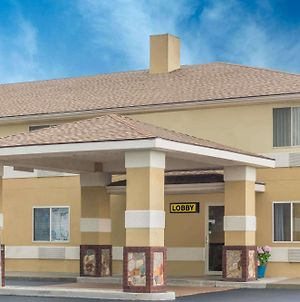 Super 8 By Wyndham Hanover photos Exterior