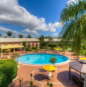 Best Western Palm Beach Lakes photos Exterior