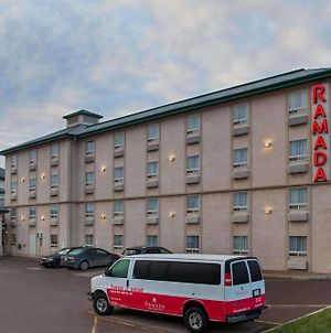 Ramada Inn And Suites Red Deer photos Exterior