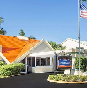 Howard Johnson By Wyndham Vero Beach / Downtown photos Exterior